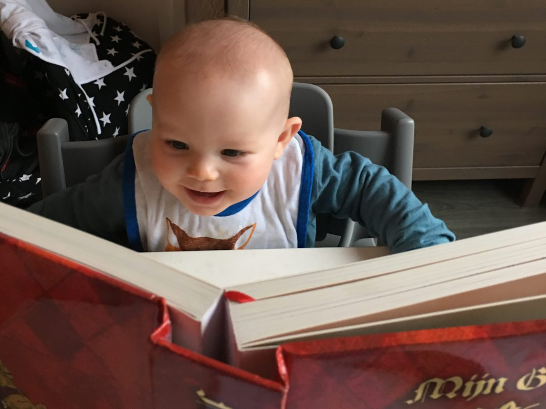 aan je baby voorlezen